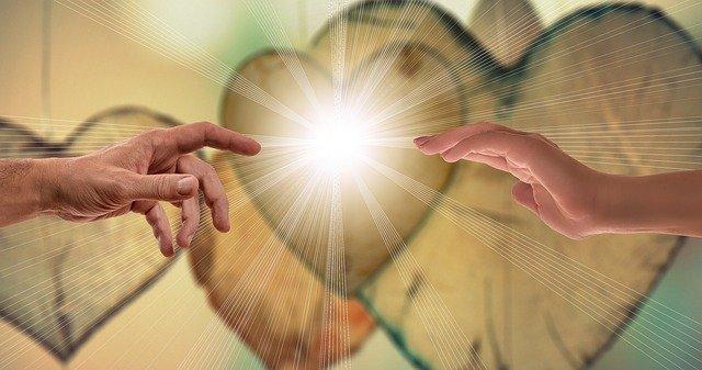 60 citas inspiradoras sobre el amor de Dios