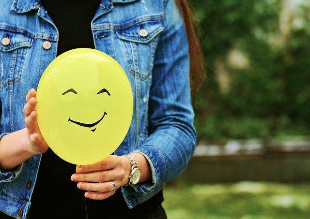 10 formas de hacer reír a tu novia cuando está enfadada contigo